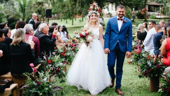 Os noivos Adriane e Renan Freires Foto: Divulgação