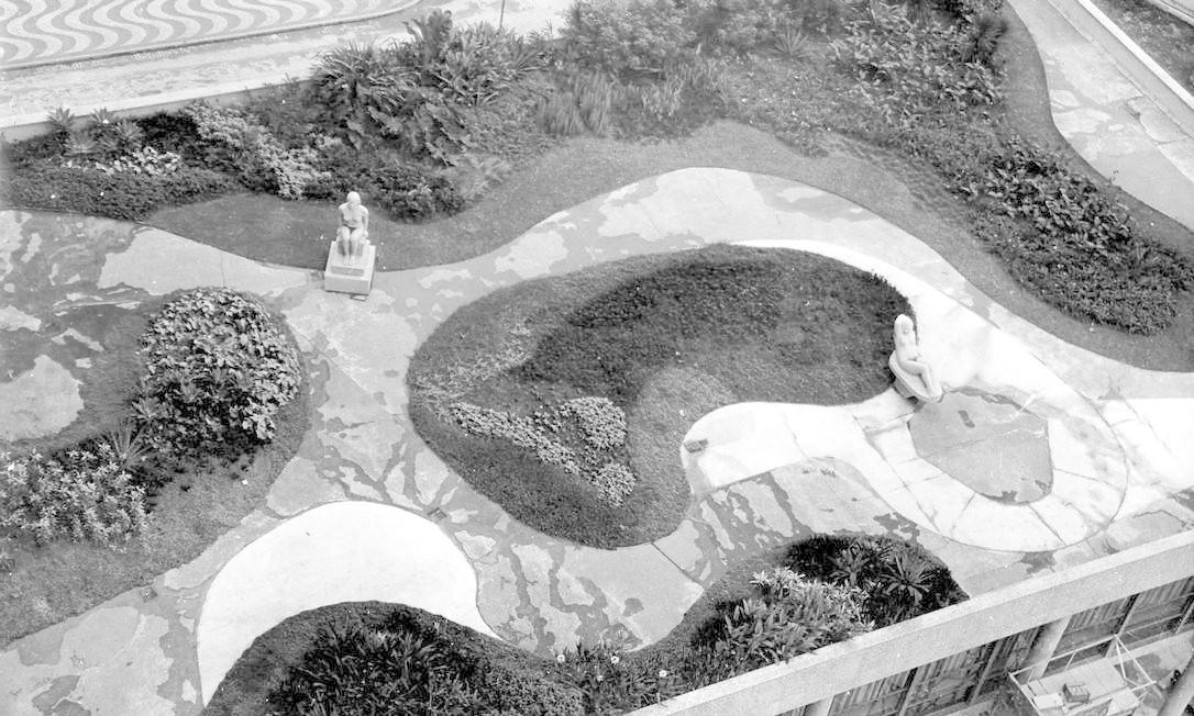 O jardim projetado por Burle Marx para o Palácio Capanema, 1938 Foto: Divulgação