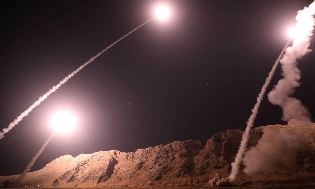 Mísseis são disparados por Guarda Revolucionária do Irã contra Estado Islâmico Foto: HANDOUT / AFP