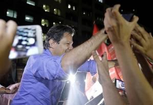 Fernando Haddad faz campanha no Rio Foto: RICARDO MORAES / REUTERS