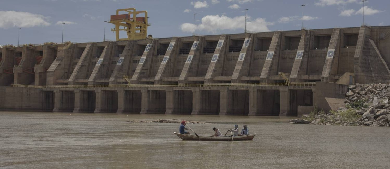 Vista do lago e barragem de Sobradinho, Bahia Foto: Daniel Marenco / Agência O Globo