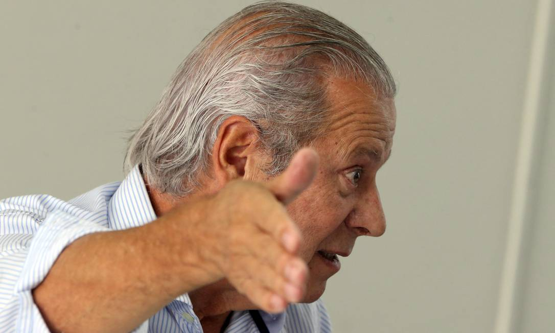O ex-ministro José Dirceu está viajando o país para divulgar seu livro de memórias Foto: Givaldo Barbosa / Agência O Globo (29/08/2018)