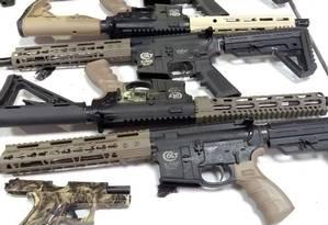 Armas apreendidas pela polícia no Rio de Janeiro Foto: PRF