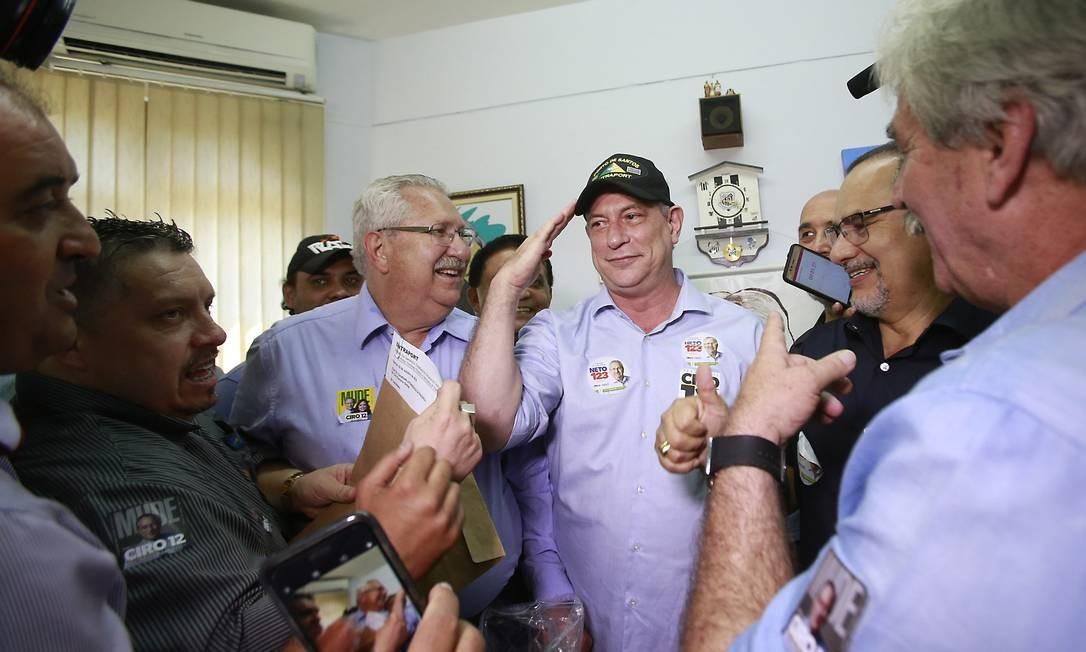 Ciro Gomes visita Sindicato dos Rodoviários em Santos, no litoral paulista Foto: Edilson Dantas / Agência O Globo