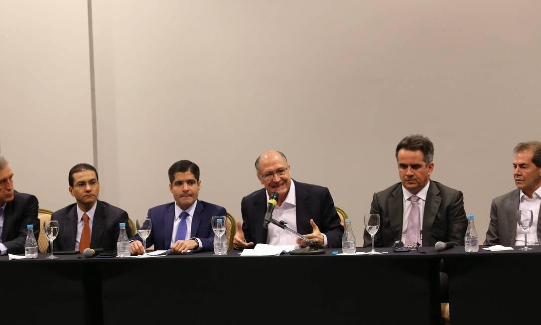 Líderes de partidos do Centrão anunciam apoio a Geraldo Alckmin Foto: Ailton de Freitas/Agência O Globo/26-07-2018