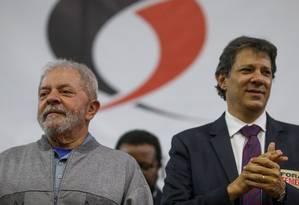 O ex-presidente Lula e o ex-prefeito Fernando Haddad, em ato em São Paulo Foto: Pedro Kirilos/Agência O Globo/09-09-2016