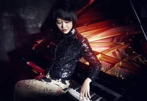 A pianista de origem chinesa Yuja Wang Foto: Norbert Kniat / Divulgação