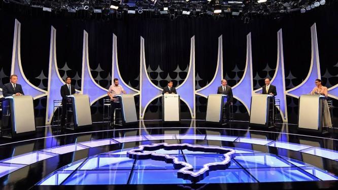 Os candidatos à Presidência do Brasil em debate no SBT em 26 de setembro Foto: Nelson Almeida / AFP
