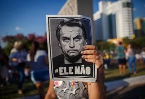 Ato de mulheres contra Bolsonaro em Brasilia Foto: Daniel Marenco/Agência O Globo/29-09-2018