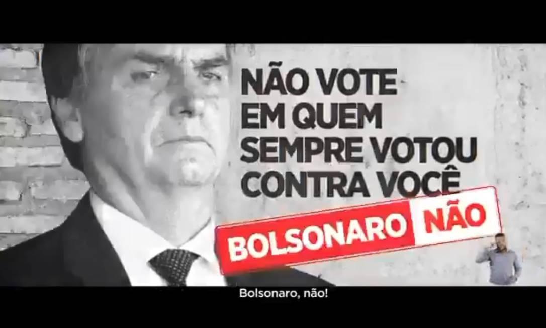 Vídeo de 30 segundos feito pela campanha de Haddad afirma que Bolsonaro votou contra trabalhadores Foto: Reprodução