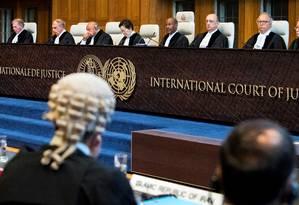 Membros do Tribunal Internacional de Justiça, em agosto: corte decidiu que EUA suavize sanções ao Irã Foto: Piroschka Van De Wouw / REUTERS