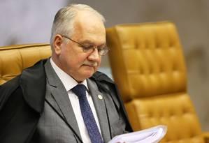O ministro Edson Fachin, durante sessão no plenário do STF Foto: Ailton de Freitas/Agência O Globo/26-09-2018