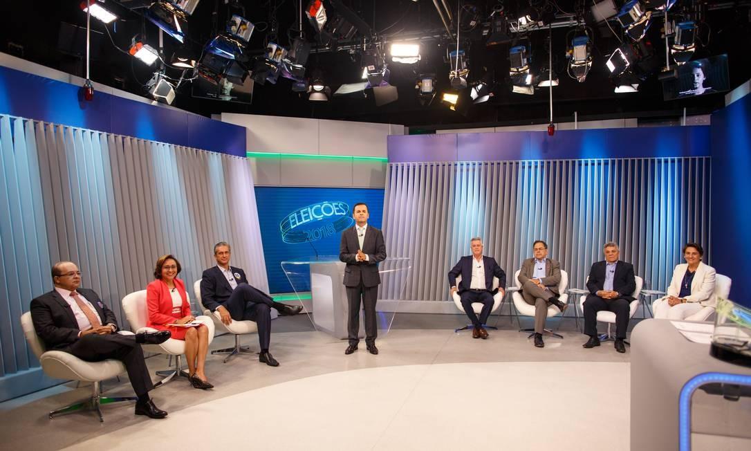 Candidatos ao governo do DF participam de debate na Rede Globo, em Brasília Foto: Daniel Marenco / Agência O Globo