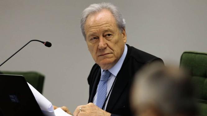 O ministro Ricardo Lewandowski, durante sessão da Segunda Turma do STF Foto: Jorge William/Agência O Globo/02-10-2018