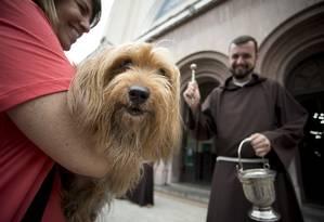 Na Igreja dos Capuchinhos, na Tijuca, animais receberam a bênção no dia de São Francisco de Assis Foto: Márcia Foletto / Márcia Foletto