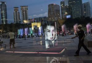 Ação alfandegária da China derrubou ações de empresas especializadas em venda de artigos de luxo Foto: Bloomberg