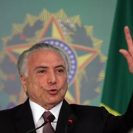 O presidente Michel Temer, durante solenidade no Planalto Foto: Givaldo Barbosa / Agência O Globo