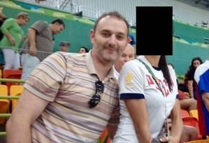 Yevgeny Serebriakov durante as Olimpíadas no Rio ao lado de atleta russa desconhecida Foto: Divulgação