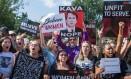 Manifestantes protestam contra a indicação do candidato do presidente Donald Trump à Suprema Corte dos Estados Unidos Foto: JIM WATSON / AFP