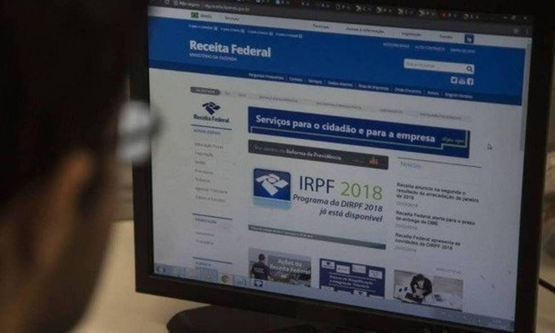 Site da Receita Federal para consulta da restituição Foto: Alexandre Cassiano - Agência O Globo