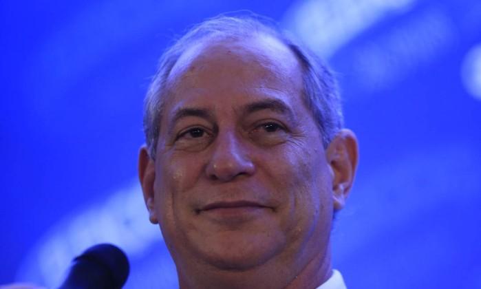 Ciro Gomes no último debate dos candidatos à Presidência Foto: MARCELO THEOBALD / Agência O Globo
