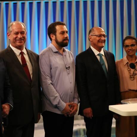 Os candidatos Henrique Meirelles, Alvaro Dias, Ciro Gomes, Guilherme Boulos, Geraldo Alckmin, Marina Silva e Fernando Haddad no debate da TV Globo Foto: Ricardo Moraes / Reuters
