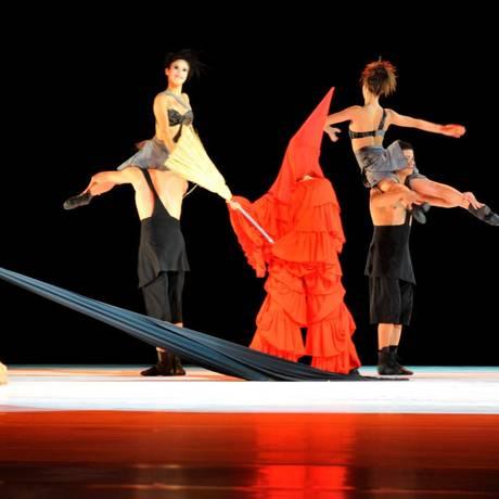 Ballet Stagium com a coreografia Figuras e vozes Foto: ARNALDOJGTORRES / Divulgação