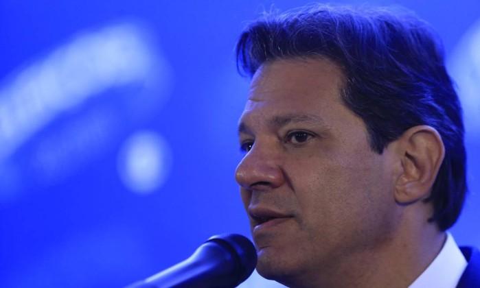 Fernando Haddad participa de debate entre presidenciáveis na TV Globo Foto: Marcelo Theobald/Agência O Globo/04-10-2018