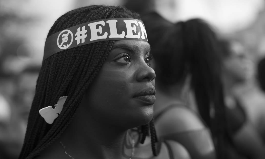As mulheres lideram o movimento #elenao, que repudia posições do candidato do PSL Foto: Edilson Dantas / Agência O Globo