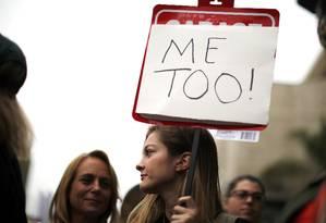 Mulheres durante protesto em Hollywood em 2017 Foto: Lucy Nicholson / Reuters