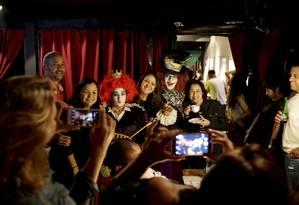 Personagens da ficção são parte do diferencial de bares temáticos Foto: Marcelo Theobald / Agência O Globo