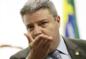 O senador Antonio Anastasia (PSDB-MG) lidera a corrida pelo governo estadual Foto: Jorge William / Agência O Globo