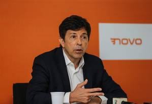 Pessoalmente, João Amoêdo descarta apoio ao PT em eventual segundo turno Foto: Geraldo Bubniak / AGB / Agência O Globo