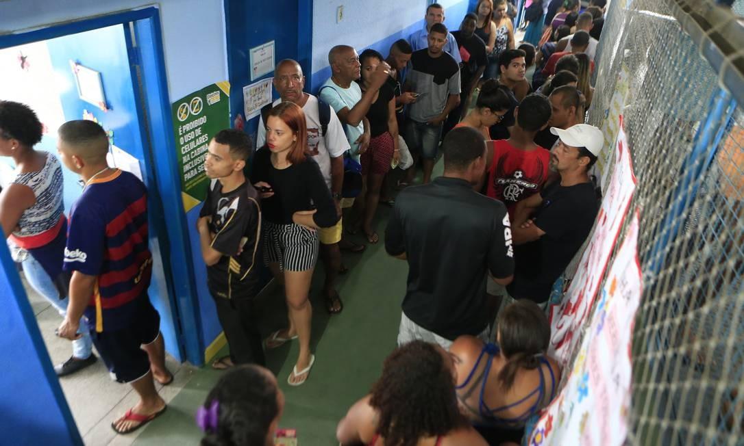 Votação na Escola Municipal Haroldo Gomes, em Itauna-SG Foto: Roberto Moreyra / Agência O Globo
