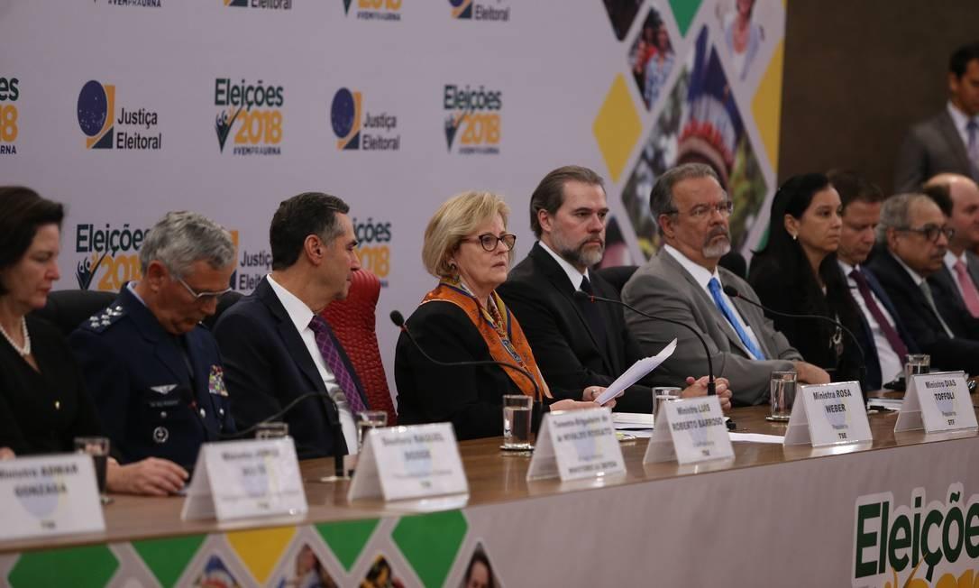 A presidente do TSE, Rosa Weber, anuncia resultado das eleições Foto: Ailton Freitas/Agência O Globo