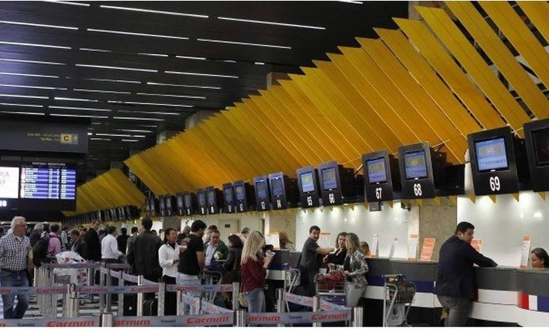 Balcões de check-in Foto: Michel Filho / Agência O Globo