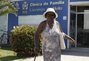 Pacientes reclamam do atendimento na Clínica da Família Lourenço de Mello, em Paciência Foto: Gabriel de Paiva / Agência O Globo