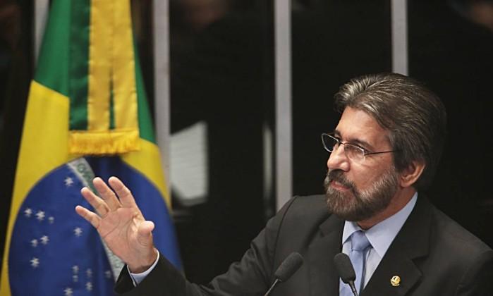 O senador Valdir Raupp (PMDB-RR) Foto: Jorge William / Agência O Globo