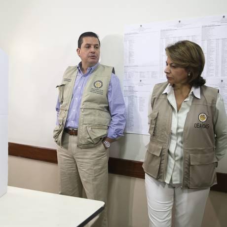 Laura Chinchilla, chefe da missão da OEA no Brasil, acompanha votação em Brasília Foto: José Cruz/Agência Brasil/07-10-2018