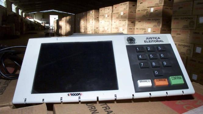 Depósito do TRE em Brasília com urnas eletrônicas Foto: Gustavo Miranda