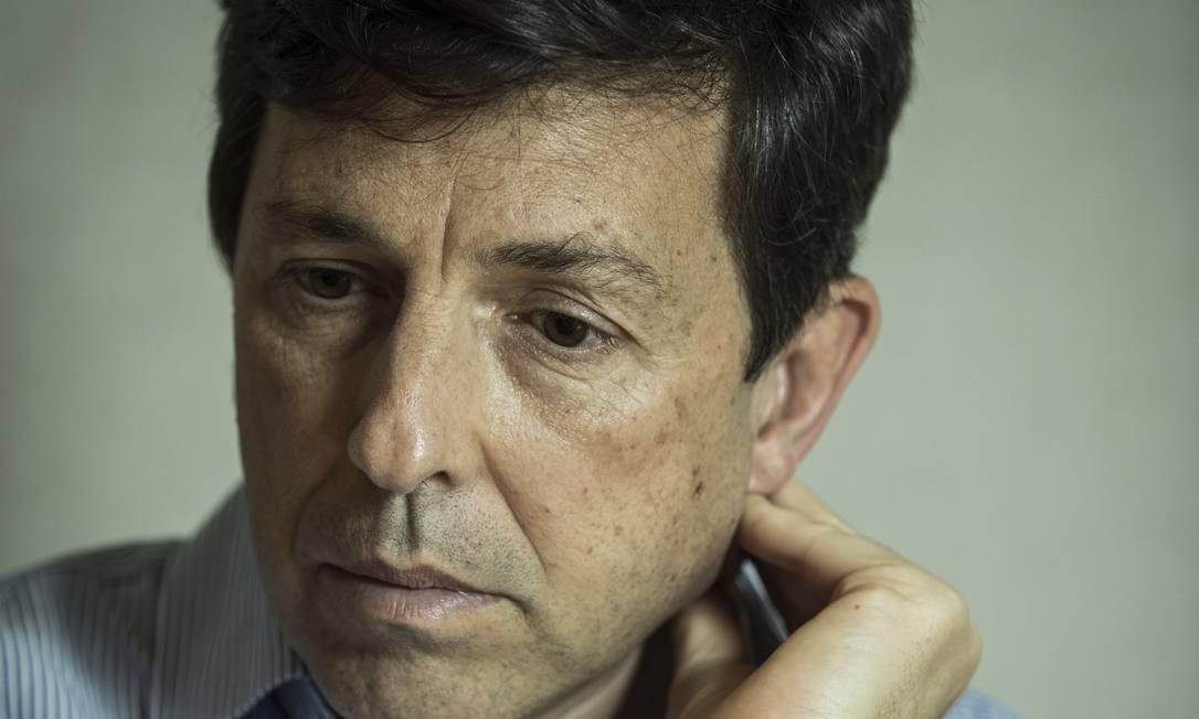 Amoêdo ainda não decidiu se apoiará Bolsonaro ou se ficará neutro no segundo turno Foto: Guito Moreto / Agência O Globo