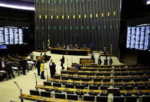 Dos 38 eleitos da bancada de policiais e militares, 20 são do PSL Foto: Jorge William / Agência O Globo