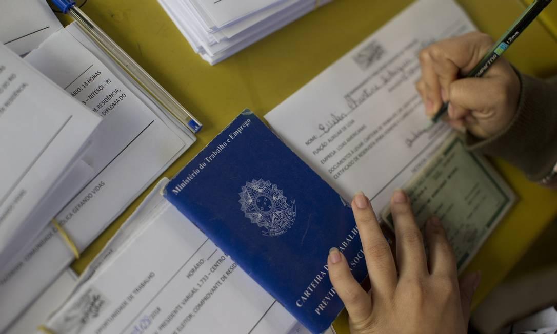 Procura por emprego no Brasil Foto: Márcia Foletto / Agência O Globo