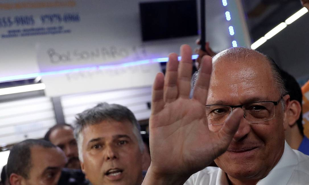 Geraldo Alckmin, derrotado na eleição à Presidência, diz a pessoas próximas que deve ficar neutro no segundo turno Foto: RICARDO MORAES / REUTERS