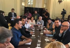 Reunião na Câmara de Vereadores com representantes da prefeitura Foto: Divulgação