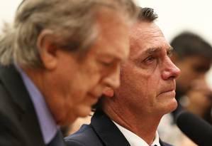 O EX-presidente do PSL, Luciano Bivar, ao lado de Jair Bolsonaro na filiação do deputado ao partido Foto: Givaldo Barbosa / Agência O Globo 07/03/2018