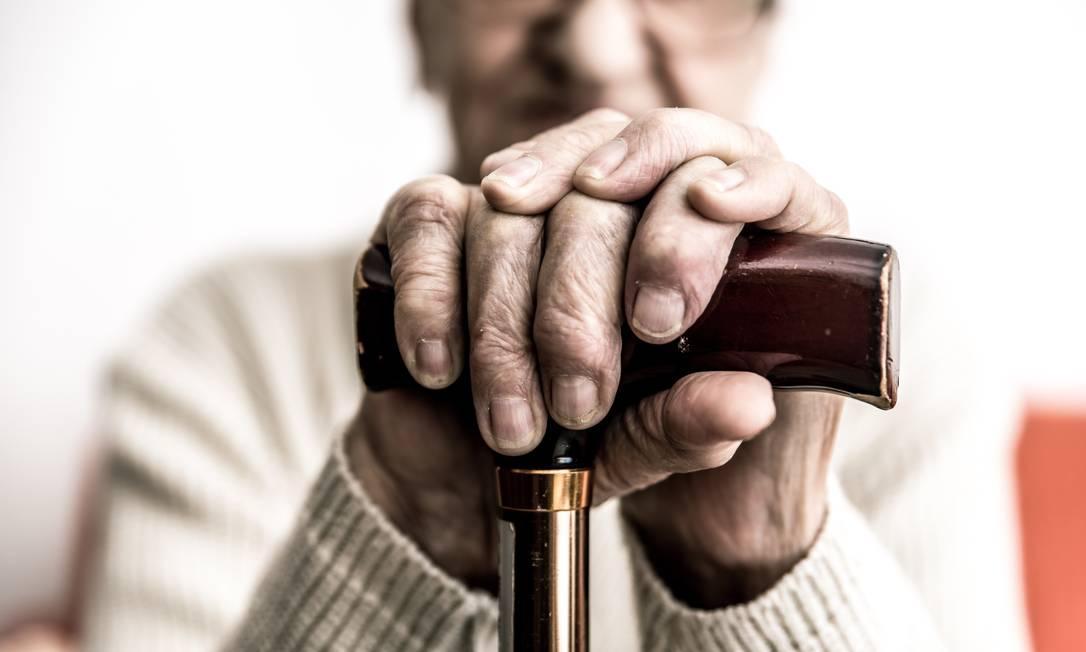 A hipertensão lidera a lista de doenças crônicas em idosos no país Foto: Shutterstock/Shutterstock