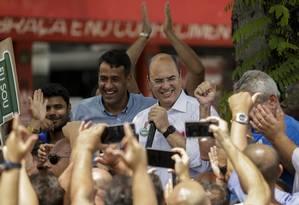 O candidato Wilson Witzel faz campanha no centro de Nilópolis Foto: Gabriel de Paiva / Agência O Globo