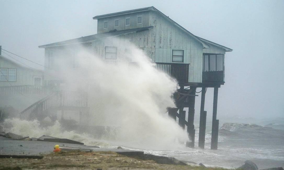 Furacão Michael atinge a Flórida com ventos de até 250 km/h Foto: CARLO ALLEGRI / REUTERS
