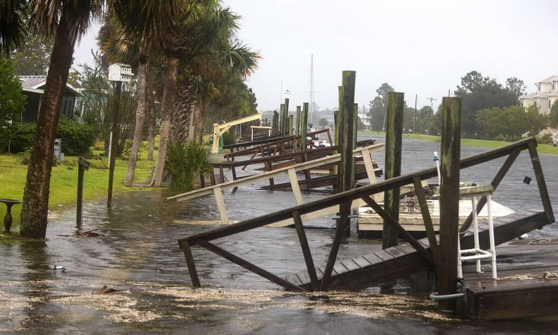 O furacão está previsto para atingir o Panhandle da Flórida em uma possível tempestade de categoria 4. MARK WALLHEISER / AFP